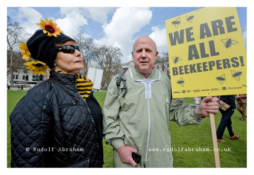march of the beekeepers neonicotinoid pesticides protest London photographer 20130426_0255a