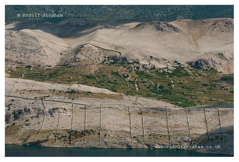 Hiking on Pag, Croatia. Photography by Rudolf Abraham. © copyright. All rights reserved. HRpag_0429