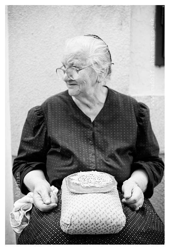 Traditional lace-making, Pag, Croatia. Photography by Rudolf Abraham. © All rights reserved. HRpag_0643a