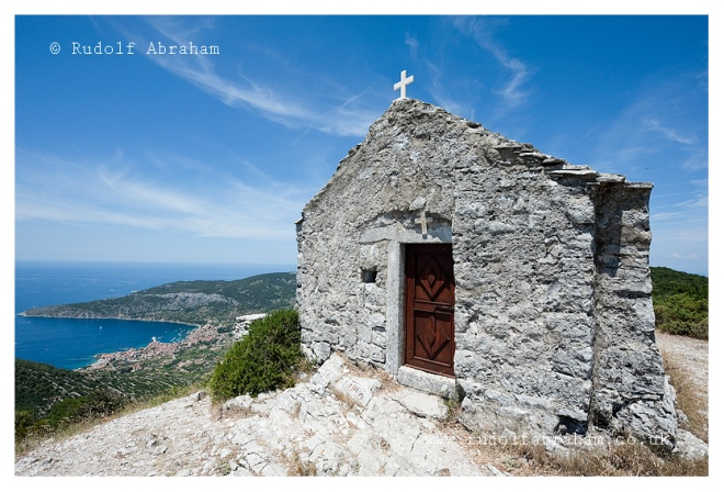 Hiking on Vis, Croatia. Photography by Rudolf Abraham. © copyright. All rights reserved. HRvis_0663