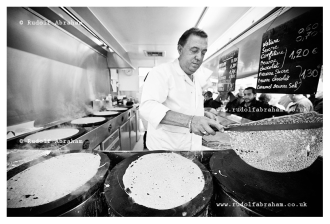 Making crepes, Saturday market on Place des Lices in Rennes, Brittany, France © Rudolf Abraham